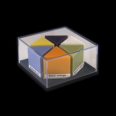 Display mit S-U-TRISIDE-WACHSEN als Start-Set bestehend aus Modular-D, -C, -S, Basic orange, Periphery gelb und Grinding beige.