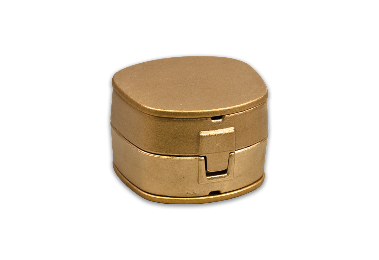 S-U-ROBUSTA, brass flask
